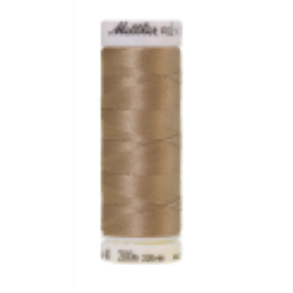 Amann Mettler Poly Sheen Gravel glänzt durch den trilobalen Fadenquerschnitt besonders schön. Zum Sticken, Quilten, Nähen. 200m Spule