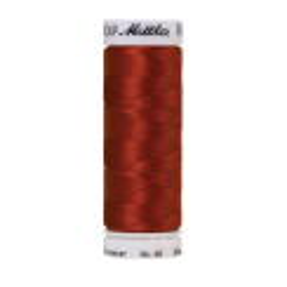 Amann Mettler Poly Sheen Spice glänzt durch den trilobalen Fadenquerschnitt besonders schön. Zum Sticken, Quilten, Nähen. 200m Spule