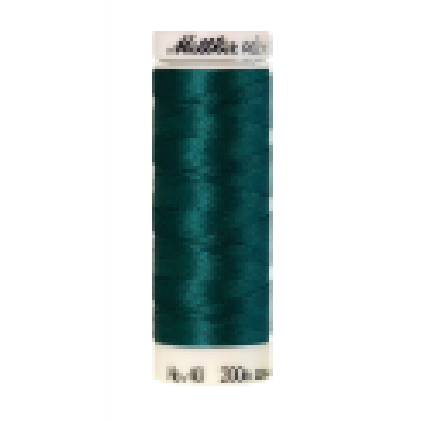 Amann Mettler Poly Sheen Seagreen glänzt durch den trilobalen Fadenquerschnitt besonders schön. Zum Sticken, Quilten, Nähen. 200m Spule