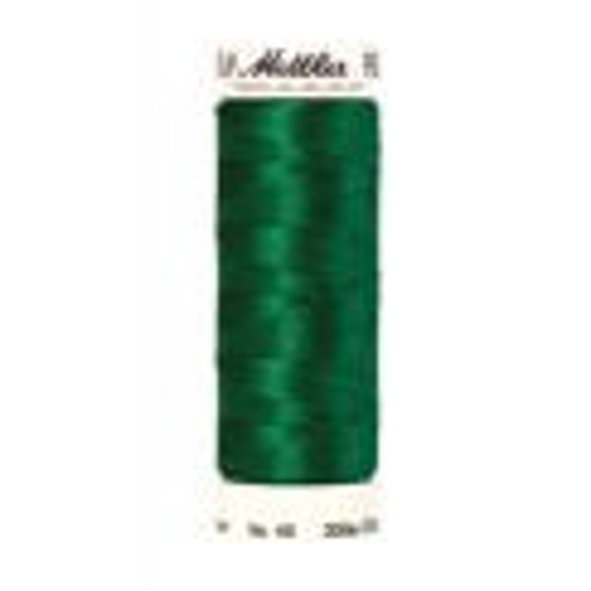 Amann Mettler Poly Sheen Irish Green glänzt durch den trilobalen Fadenquerschnitt besonders schön. Zum Sticken, Quilten, Nähen. 200m Spule