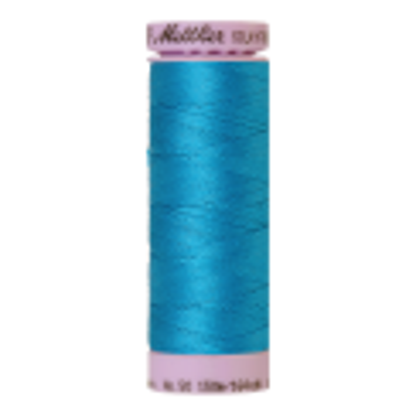 Silk-Finish Cotton 50, 150m - Caribbean Blue: Reines Baumwollgarn aus 100% langstapliger, ägyptischer Baumwollte von Amann Mettler
