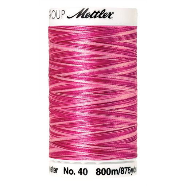 Amann Mettler Poly Sheen Multi, 800m Spule in Lipstick Pinks  Die Multifarben harmonieren perfekt mit dem unifarbenen Poly Sheen