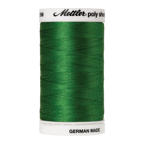 Amann Mettler Poly Sheen Ming glänzt durch den trilobalen Fadenquerschnitt besonders schön. Zum Sticken, Quilten, Nähen. 800m Spule