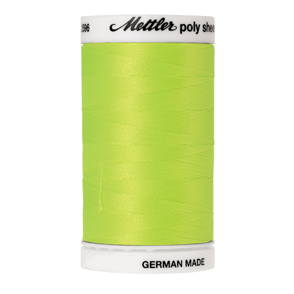 Amann Mettler Poly Sheen Sour Apple glänzt durch den trilobalen Fadenquerschnitt besonders schön. Zum Sticken, Quilten, Nähen. 800m Spule